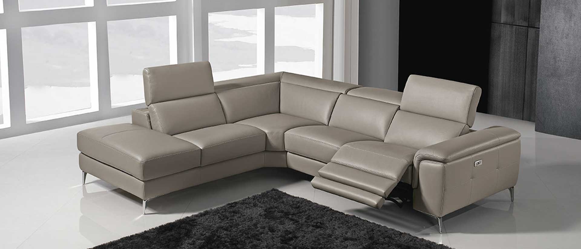 Vendita divani classici divani moderni campania casadesign for Modelli di divani