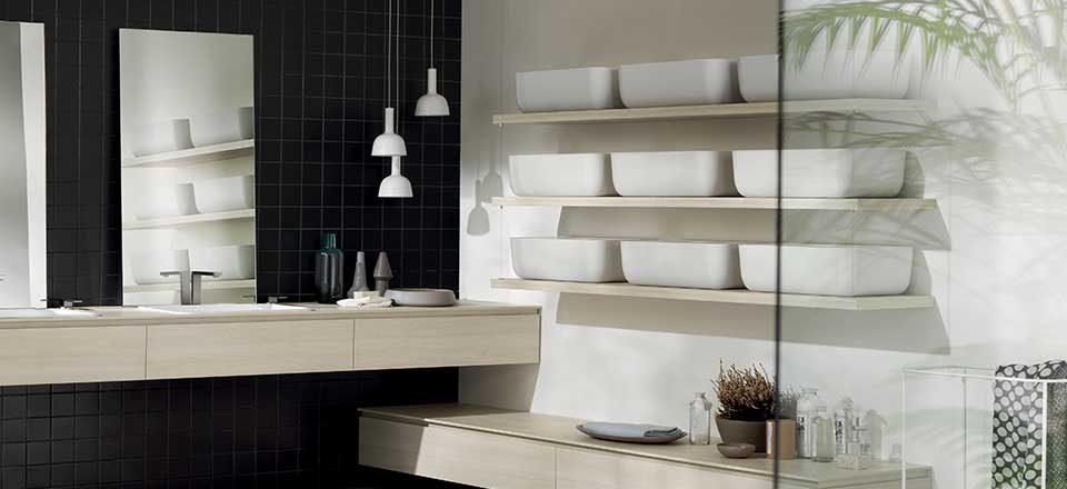 consigli per arredare: come ottimizzare le mensole in bagno