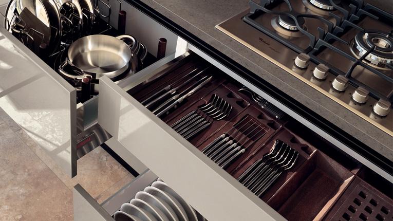 Come ottimizzare lo spazio in cucina, consigli pratici sui cestelli contenitori