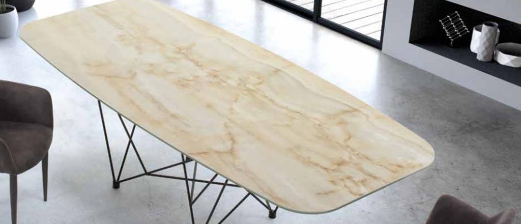 Per l'edizione 219 della Fiera della Casa, Casa Design arredamenti presenterà il tavolo New Tube della collezione Di Lazzaro