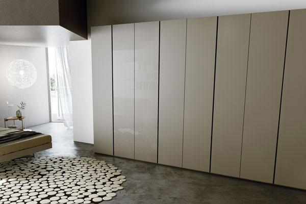 Il progetto di armadio moderno con anta scorrevole Flat