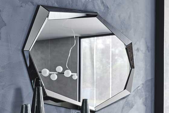 Specchi e decorazioni per la casa in esposizione-4